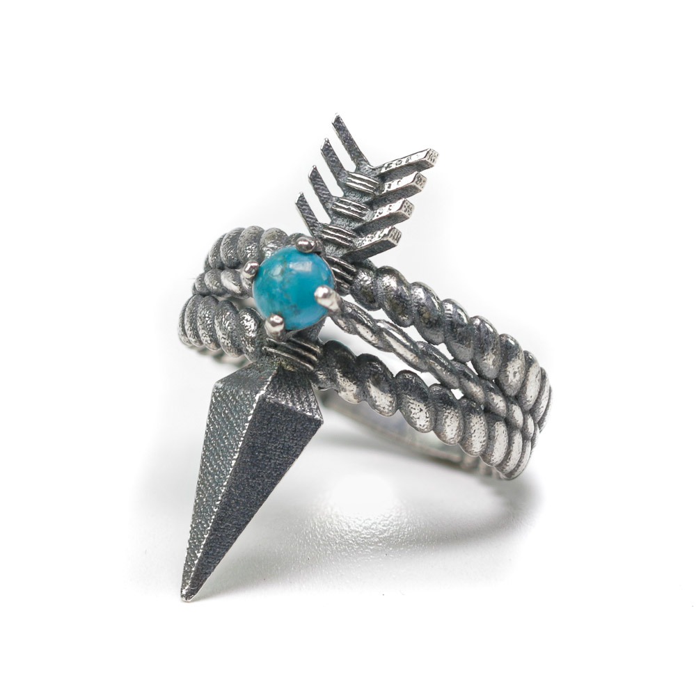 Quanah arrow ring silver front