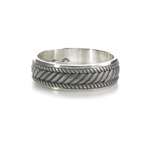 Twisted rope silver ring side